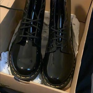 NEW patent 1460 W DR MARTENS